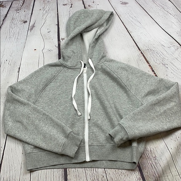 Gray Wild Fable oversized cropped gray zip hoodie